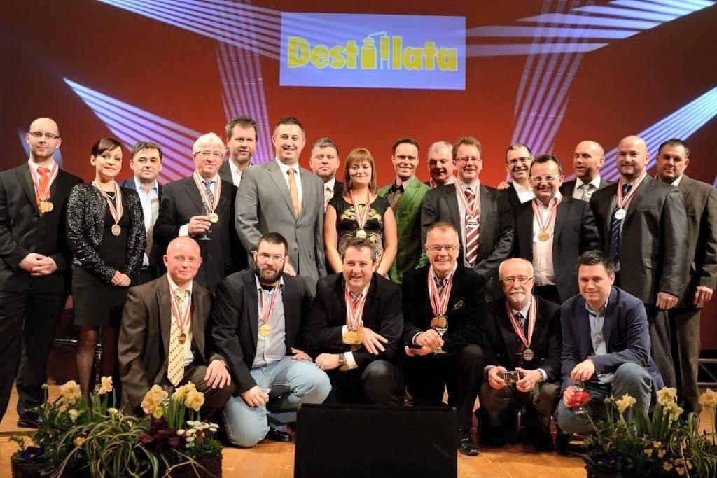 Desztillata 2015 magyar csoport -